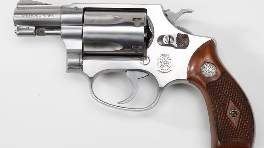 Gun of the Day: Smith & Wesson Model 60